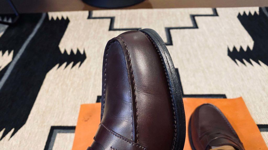 クリーナーで汚れを取った後の靴の表面2