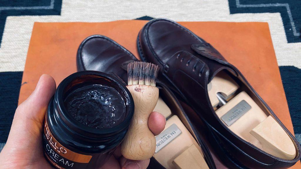 靴磨き_ペネトレイトブラシとクリーム