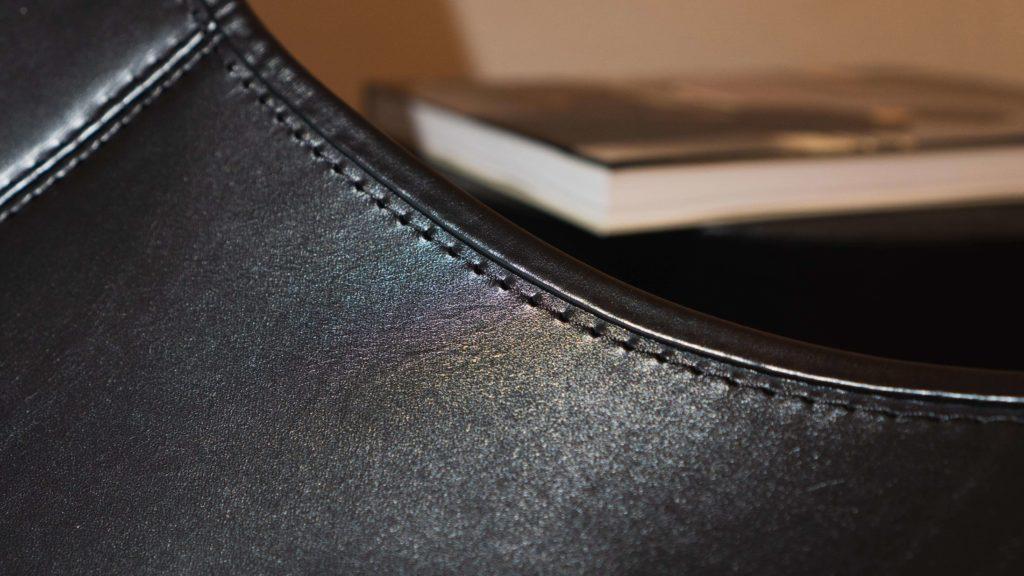 BKFチェアサイドの縫い目