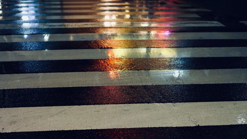雨の日の道路