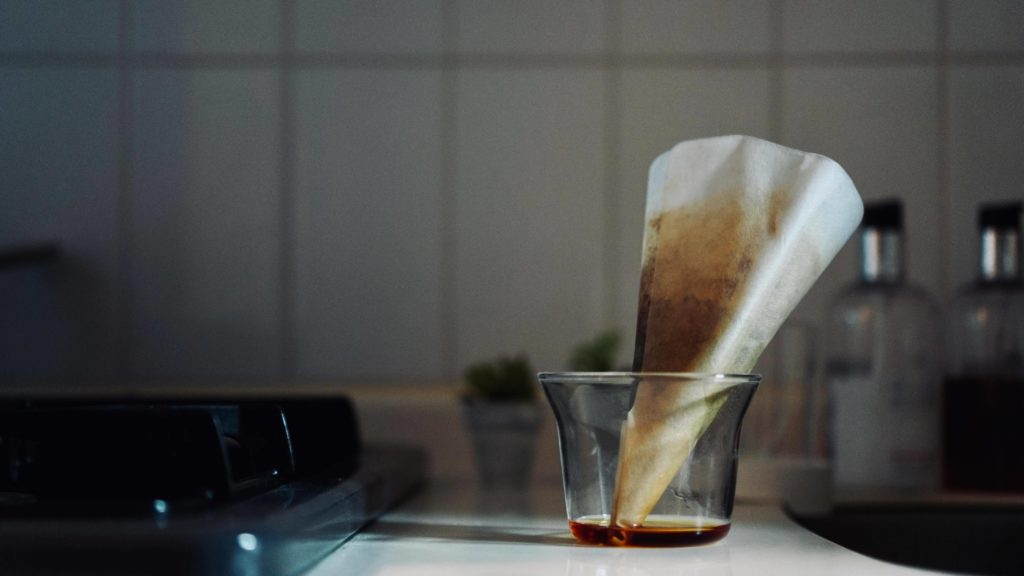 淹れ終わったコーヒーフィルター