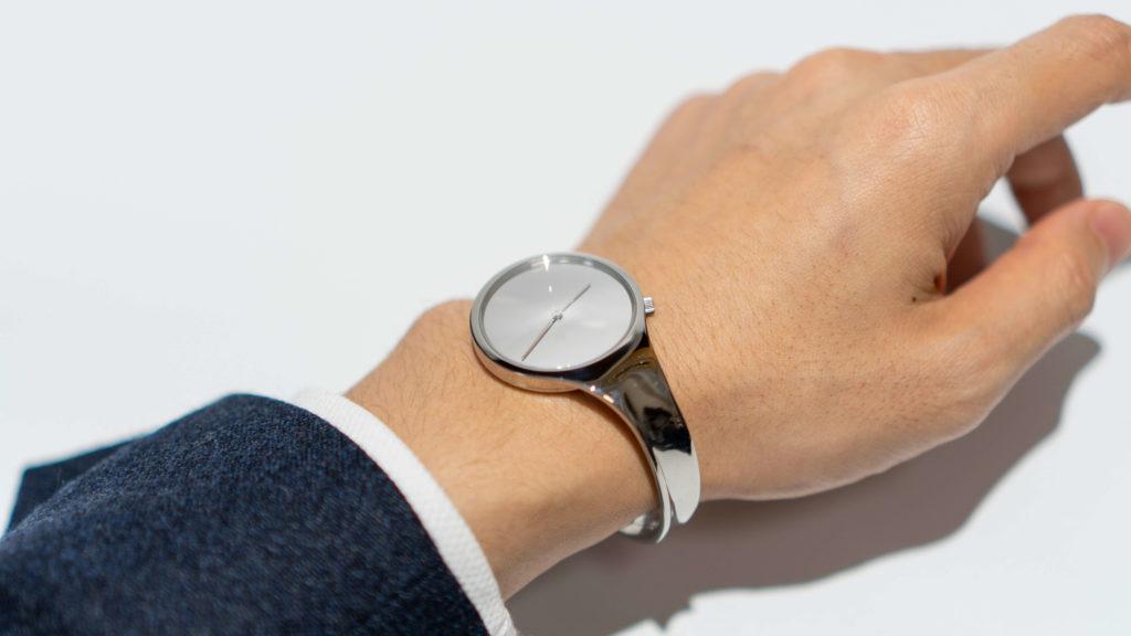 腕時計viviannaを着けた腕2