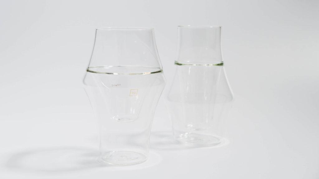 KRUVEグラス2種を並べて横から