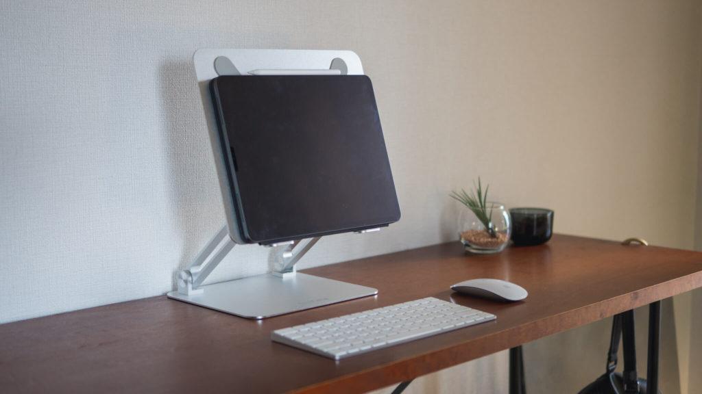 スタンディングテーブルとiPad