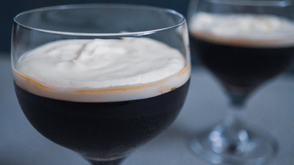 グラスに入れたコーヒーゼリーアップ