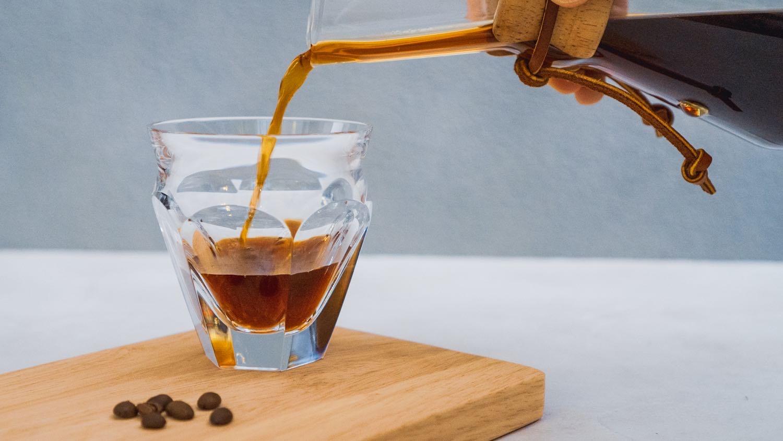 Chemex(ケメックス)ハンドブロウでコーヒーを注ぐ