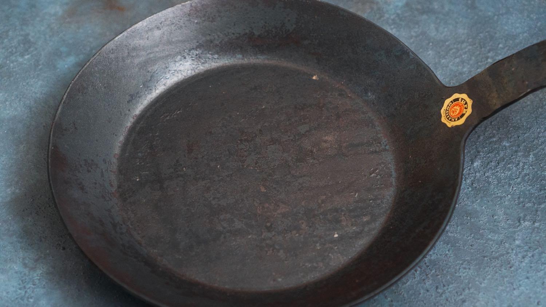 タークのフライパン24cm表面