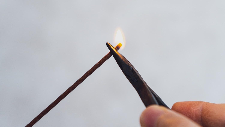 お香の火の付け方