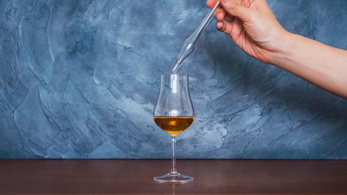ウイスキーウォータードロッパーでウイスキーに加水