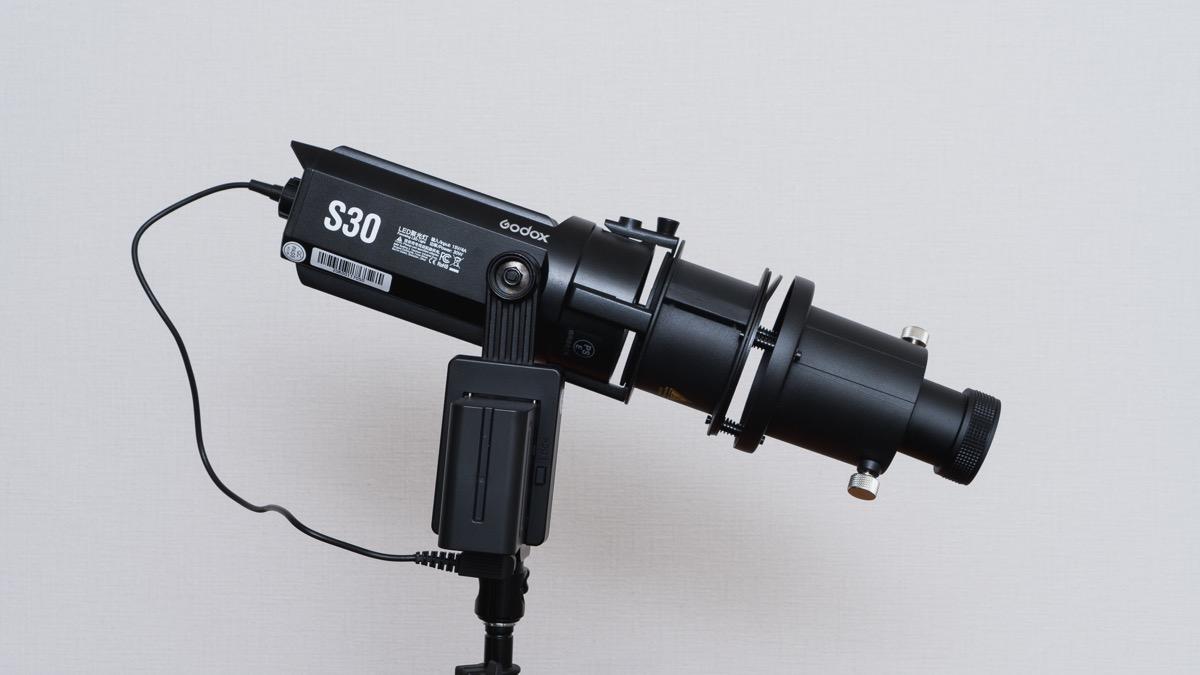 バッテリーを装着したgodox s30